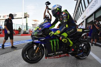 Bos Yamaha: Meski usianya sudah 41 tahun Rossi masih sangat kompetitif