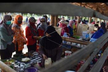 Pasar unik di Madiun