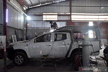 Bengkel perakit mobil ambulans di Bekasi banjir pesanan