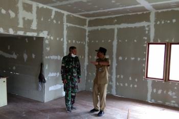 Camat Pulau Hanaut kunjungi Mushola Alhidayah