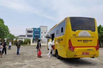 1.973 pasien COVID-19 di Jakarta dievakuasi menggunakan bus sekolah ke sejumlah rumah sakit