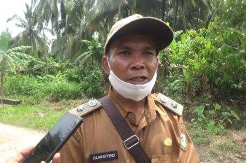 Warga berterima kasih karena jembatan berusia 30 tahun akhirnya diperbaiki TNI
