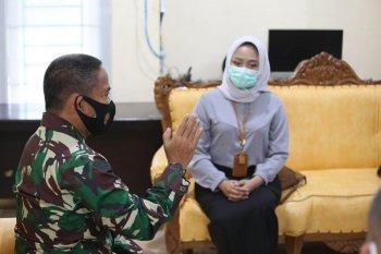 Pangdam IM dan Staf Khusus Menteri Kesehatan bahas penanganan COVID-19