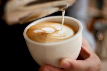 Begini cara minum kopi kekinian agar jadi lebih sehat