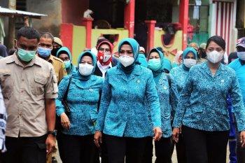 Ketua Tim PKK Maluku kunjungi lokasi banjir di Kota Ambon