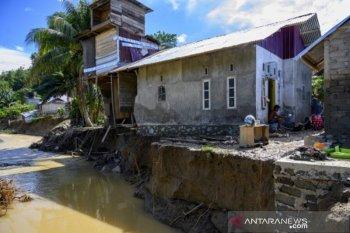 Banjir luapan sungai di Donggala