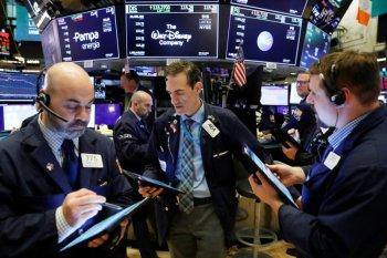 Wall Street dibuka menguat saat pembahasan stimulus AS
