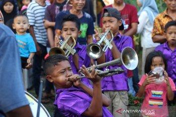 Pelajar SD dan SMP Tempatan Kuala ikut lestarikan Tanjidor