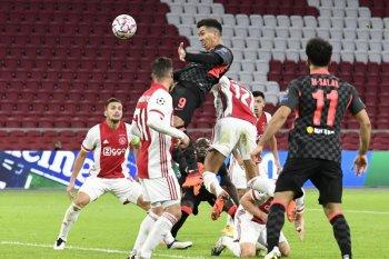 Gol bunuh diri Tagliafico buat Liverpool curi poin penuh dari Ajax
