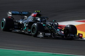 Formula 1: Bottas dominasi sesi latihan bebas, Verstappen tabrak Stroll