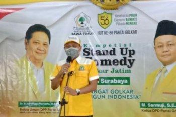 Cara Golkar kritik kebijakan pemerintah gunakan lomba komedi di Surabaya