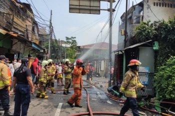 25 rumah terdampak kebakaran depan Mal Senayan City
