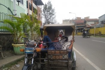 Nasib tukang becak di Lhokseumawe kian tak menentu ditengah pandemi COVID-19