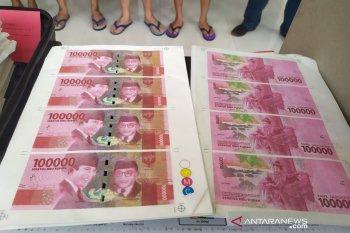 Polisi ungkap pelaku pemalsuan uang senilai Rp800 juta di Bandung