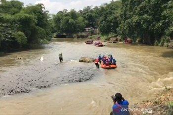 Bima Arya bersama OPD terkait susuri Sungai Ciliwung