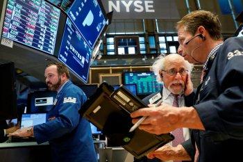 Wall Street ditutup menguat ditopang harapan vaksin, Dow terangkat 327 poin
