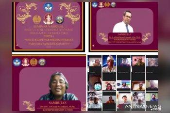 ISI Denpasar diskusikan strategi pengembangan kriya saat COVID-19