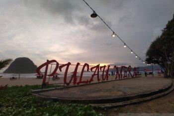Pulau Merah Banyuwangi jadi pilihan tujuan wisata akhir pekan