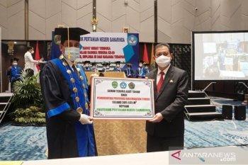 Pemprov Serahkan Bantuan Hibah Lahan Bagi Politani Samarinda