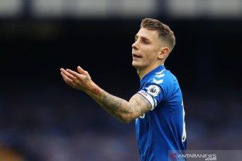 Lucas Digne terancam tidak bisa bela Everton karena cedera