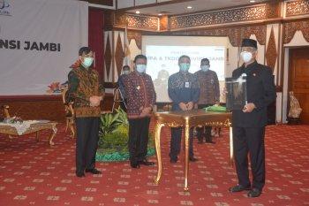 Pjs Gubernur Jambi serahkan DIPA dan alokasi TKKD tahun 2021