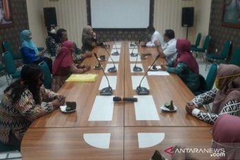 UPPKS Sejahtera Kota Singkawang produksi peyek ikan