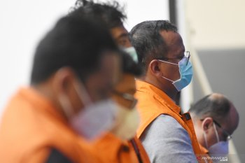 Berita kamarin, ekspor benih lobster dihentikan  hingga kuota pengunjung Borobudur