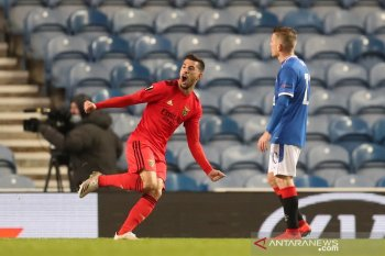 Liga Europa  - Unggul lebih dulu, Rangers  diimbangi Benfica 2-2