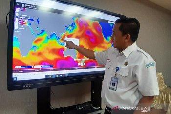 Cuaca sejumlah wilayah Indonesia hari ini berawan-hujan lebat