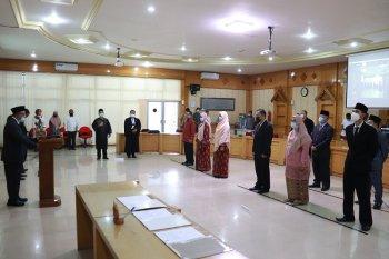 Rektor lantik tiga kepala lembaga di lingkungan Unja
