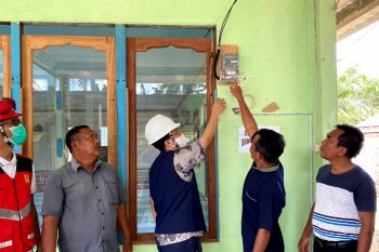 PLN Nyalakan Listrik 4 Desa di Sanggau dan Melawi