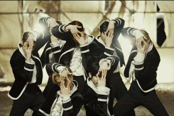 "ENHYPEN debut dengan lagu ""Given-Taken"" yang enerjik"