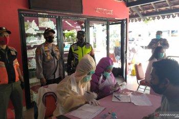 TNI tes cepat antigen warga Petamburan