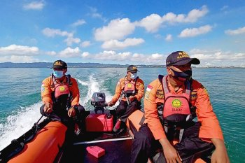 Tim SAR gabungan cari korban tenggelam di Pantai Cilacap
