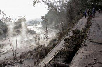 Jalur lahar panas Gunung Semeru