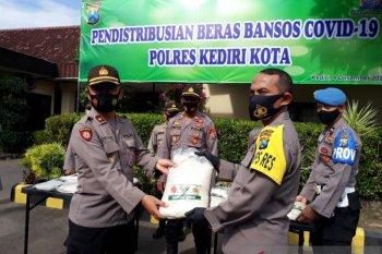 Polresta Kediri kirim 10 ton beras bagi warga terdampak COVID-19