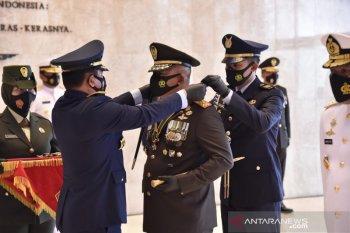 Panglima TNI sematkan Bintang Dharma kepada sepuluh perwira tinggi