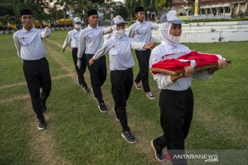 Latihan Paskibraka saat penerapan PPKM di Palu