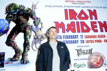 Mantan drummer Iron Maiden Clive Burr meninggal