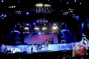 Ribuan Penggemar Iron Maiden Masuk GWK