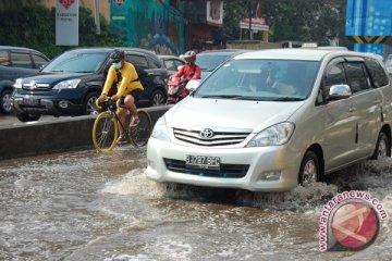 Musim hujan tiba, ini tips untuk mengemudi
