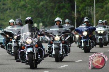 Seratusan pengendara moge nikmati perjalanan ke Candi Muarojambi