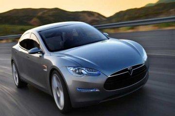 Tesla X akan diproduksi tahun depan