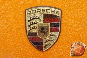 Porsche Panamera terbaru bermesin hibrida