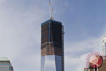 Empat pria ditahan karena melompat dari puncak WTC