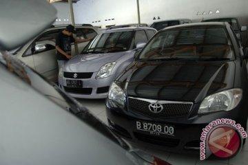 Pertumbuhan kredit otomotif Bank Danamon melambat