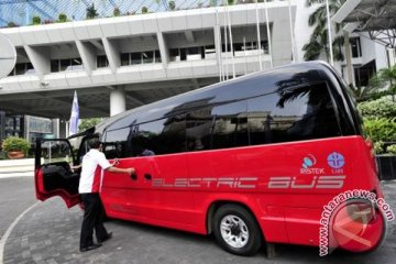 Bus listrik KTT APEC 2013 didanai BRI