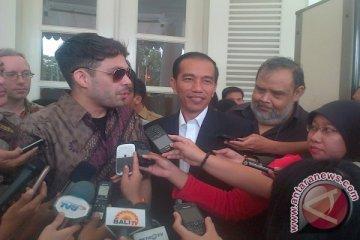 Jokowi kaget diajak duet dengan Arkarna