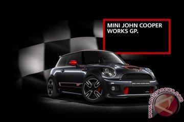 MINI Cooper Works GP dibuat untuk pebalap