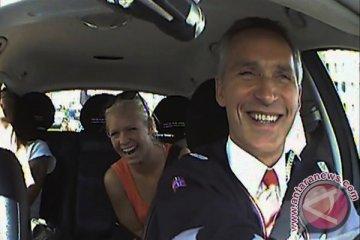 PM Norwegia menyaru jadi sopir taksi, serap aspirasi rakyat
